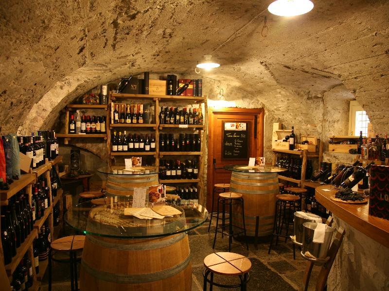 Cantina Follie on Secret Eats on Citalia