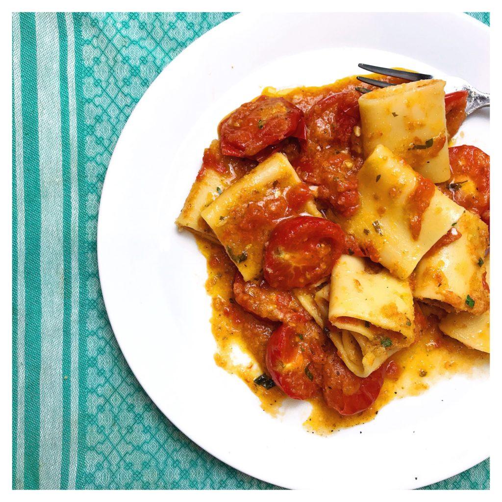 Roasted tomato pasta bake